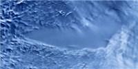 image: Antarctic Lake Teems With Life
