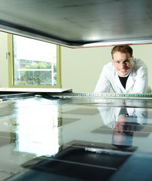 DuPont laboratory laminator, Xavier Dubreuil