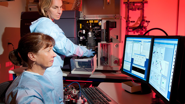 Researchers performing flow cytometry at the J. David Gladstone Institutes, the #1-ranked institution in this year's Best Places to Work in Academia survey.Gladstone Institutes